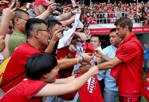 且踢其珍惜!中国足坛又不幸发生1意外事件,愿天堂也有足球