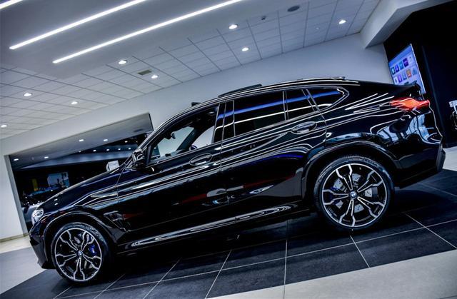 """最帅""""宝马X4""""亮相,全黑车身,四出排气,3.0T引擎压榨510马力"""