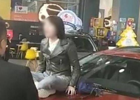 网传:西安奔驰女喜提WEY VV7,这一回合长城汽车赢了