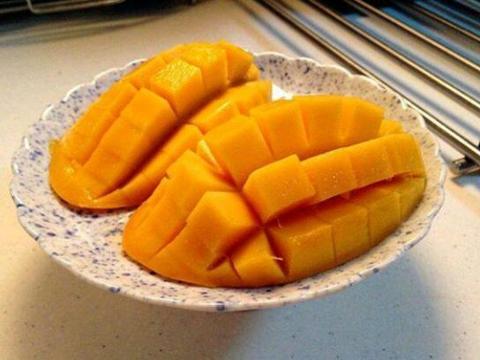 心理测试:三个芒果,哪一个最甜呢?测你最受大家嫉妒的长处