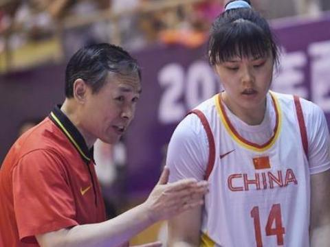 三分雨狂下!中国女篮88-68希腊女篮,李月汝13+5石小烨16+5