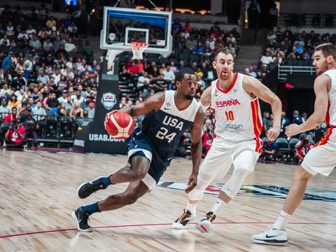 巴恩斯:外界质疑是美国男篮动力 目标就是冠军