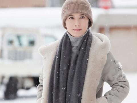 娱乐圈零差评零绯闻女演员,48岁还没嫁人,美得像一个少女
