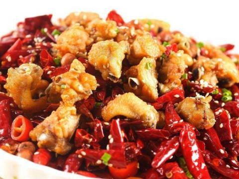 文化历史悠久的云南,哪里的美食也很不错,私房辣子鸡块