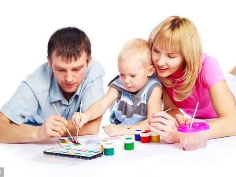 父母在育儿方式上产生分歧时,该怎么处理?
