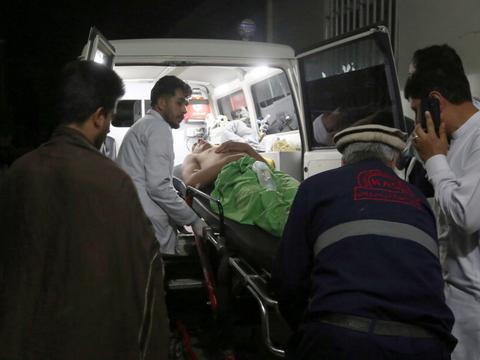 婚礼传巨响!自杀炸弹客闯阿富汗首都婚宴引爆 至少63死近200伤