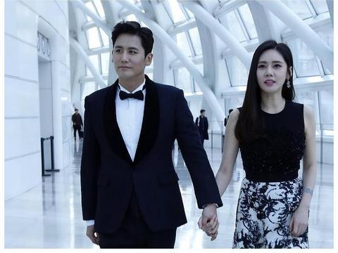 """秋瓷炫和老公于晓光甜蜜亮相,真是""""郎才女貌"""""""