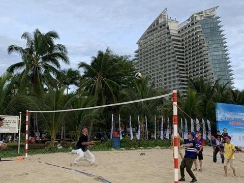 """三亚""""全民健身日""""系列活动沙滩趣味运动会吸引3800余人次参与"""