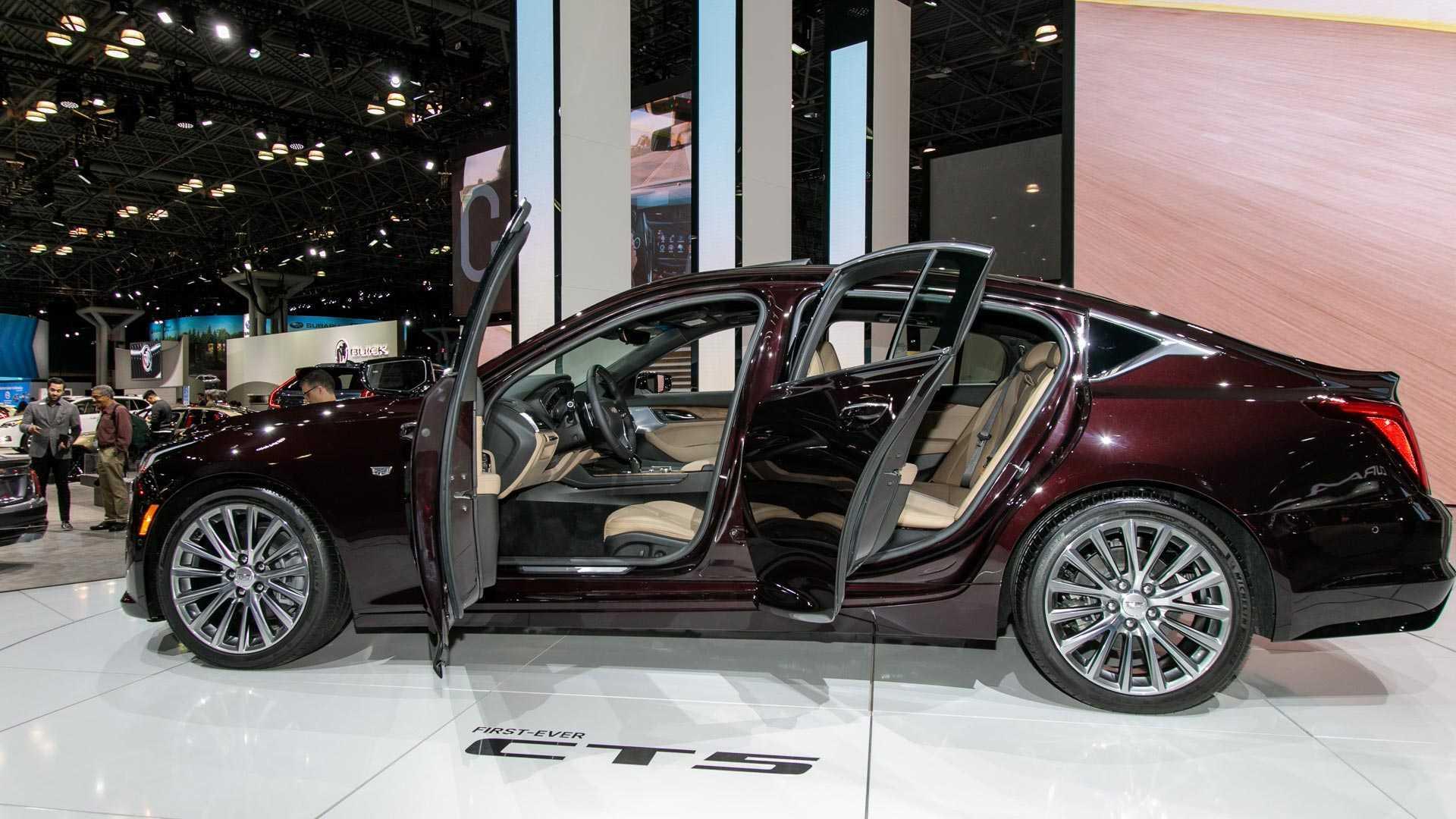 最便宜豪华家轿易主,4米9同级最宽,入门234马力,为何才卖28万