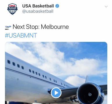 美国男篮登机前往墨尔本,塔图姆大金表抢镜,米切尔潮服显帅气