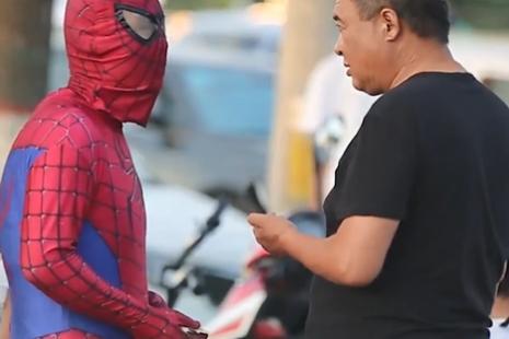 """""""蜘蛛侠""""父亲寻儿11年,寻子日记让人泪奔!"""