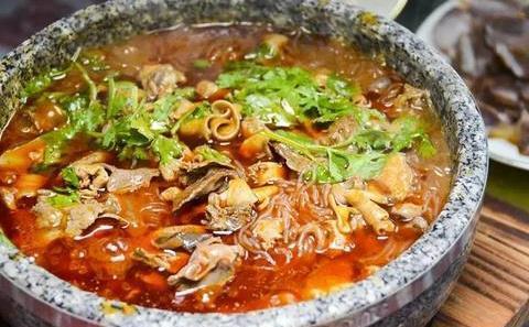 1个砂锅15种美食!广元这家店一周吃7次依然让人流连忘返