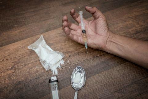 英国吸毒致死人数创新高 海洛因是造成死亡人数最多的毒品