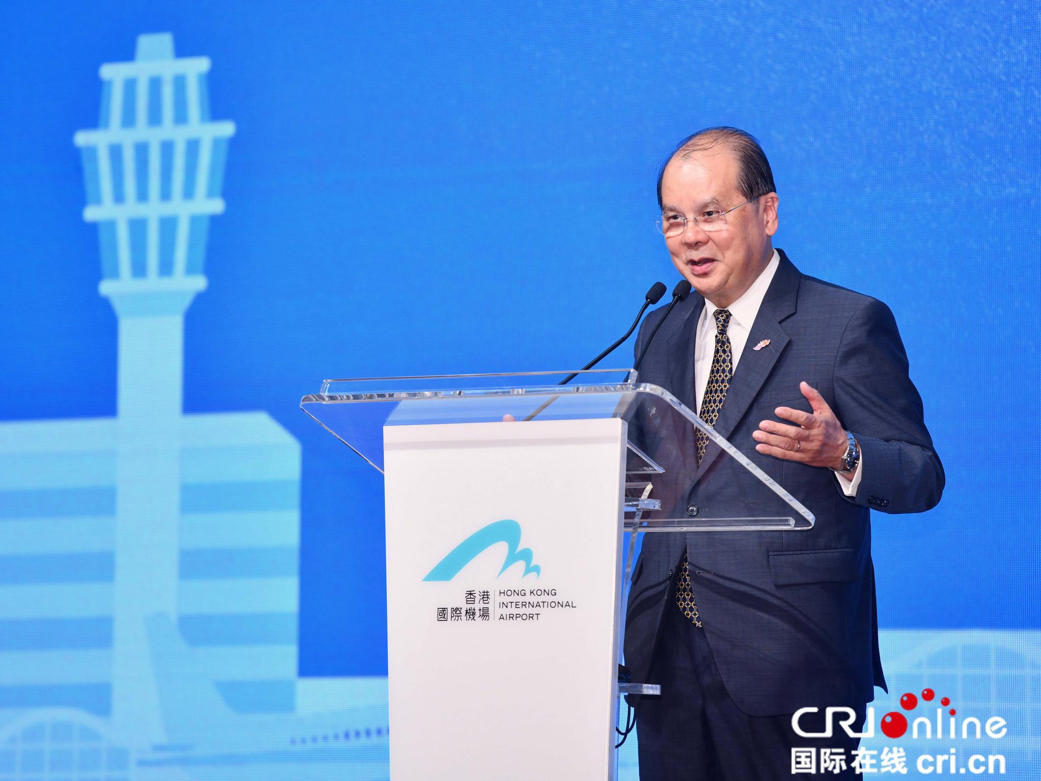 张建宗表示真正爱护和关心香港发展的人绝不会牺牲社会安宁