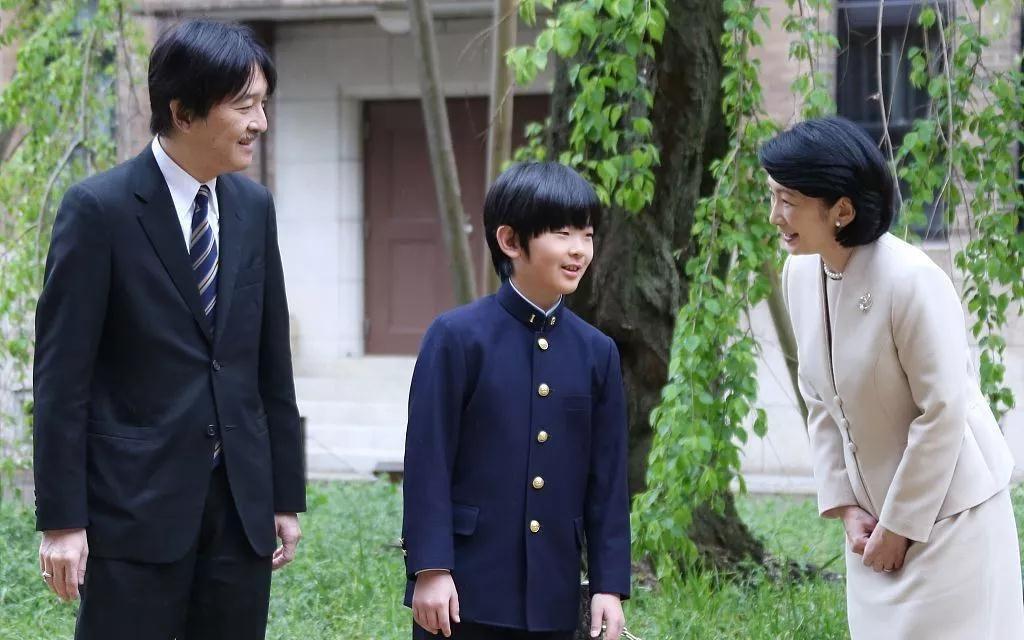 12岁小王子第一次出国 日本王子公主们有何职责|不丹