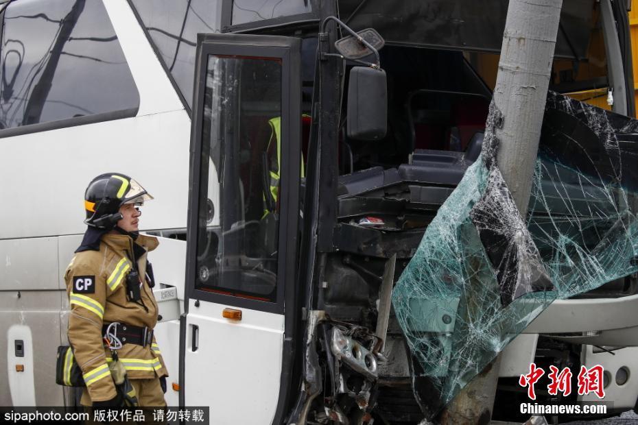 俄一大巴发生交通事故 车上有32名中国公民俄一大巴发生交通事故 车上有32名中国公民