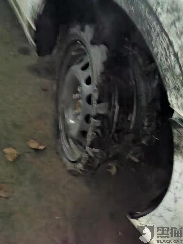 黑猫投诉:车型荣威Ei5,车牌:沪AD76900,车子抖动未显示胎压报警。打救援电话未打通