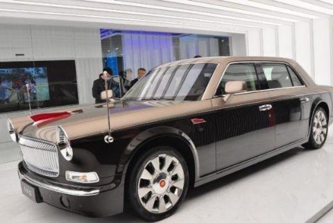 双色车身红旗L5,车长超过5米配V12发动机