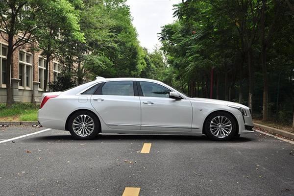 还盯着宝马5系?这车尺寸更大,最高降10万,7月销量暴涨71.8%!