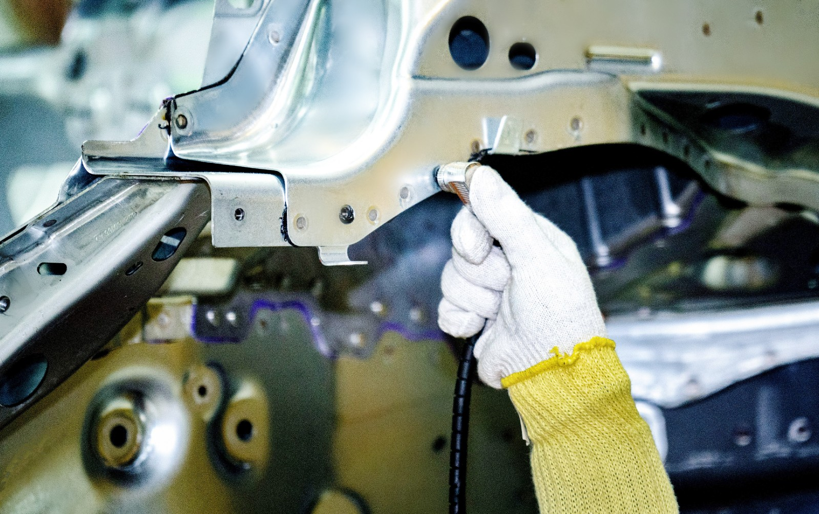 探访奇瑞捷豹路虎常熟工厂:新极光是如何炼成的?