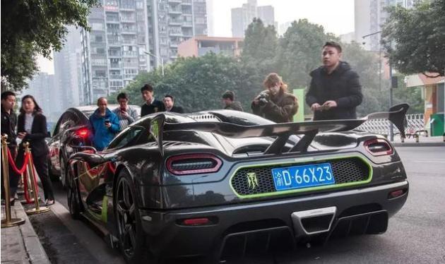 重庆街头发现两千多万柯尼塞格,零头秒杀奔驰宝马