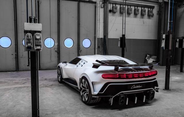 布加迪工厂看到的新车,全球限量10台,售价相当于FB老总年薪