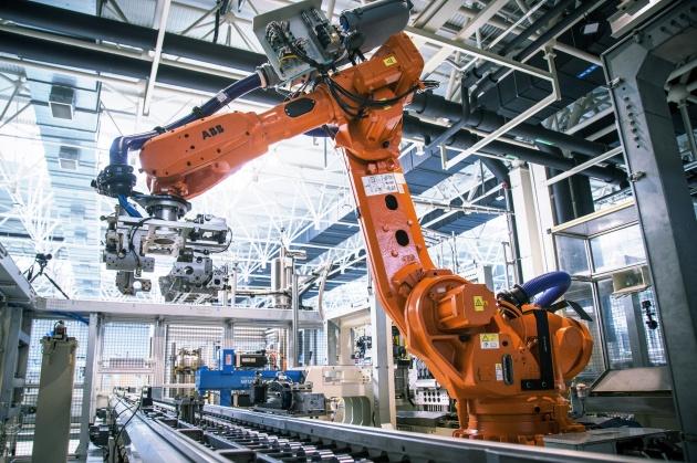 探访吉利动力基地 什么是世界级微米工厂