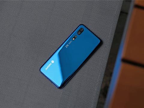 小米5G手机正式亮相,骁龙855+真全面屏,超高下载速度