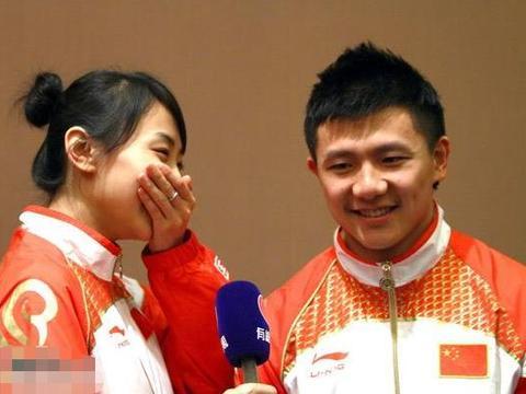 何雯娜被惊喜求婚,男友不是李辰,周一围雷佳音热依扎共同见证