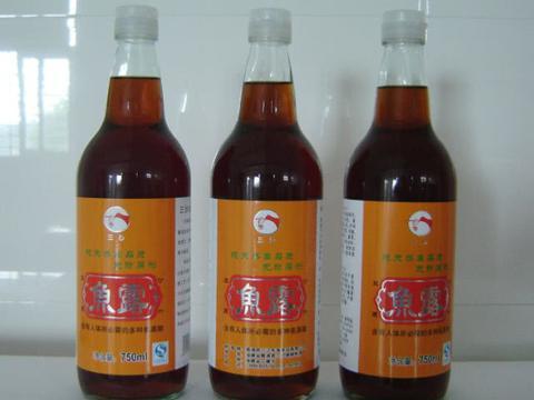 潮汕独有的特色酱油,5元一大瓶,商贩:每一滴都是鱼的精华
