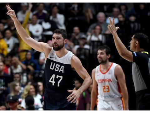 NBA官网发布乔-哈里斯的美国队热身赛赛场图集