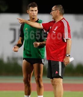 沙巴体育:尤文全力冲刺欧冠,出售中场球员