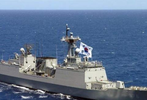 亚洲首款万吨大驱!垂发比055还多16单元,却被公认为最弱盾舰
