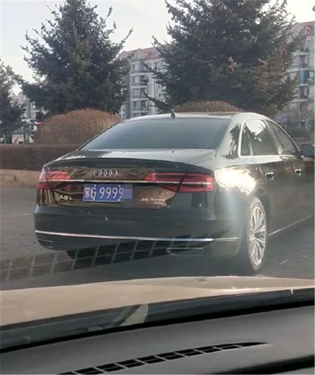 内蒙偶遇奥迪A8L,车价92万,车牌四连号9999值百万,牌比车贵!