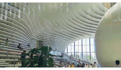 超震撼!打卡天津网红图书馆 感觉到了科幻世界