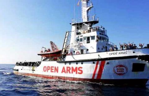 非政府组织救援船挑战意大利 拒从西班牙港口登陆