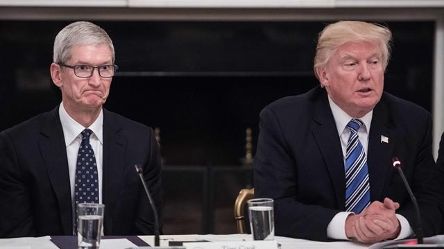 特朗普谈与库克会谈内容:调整关税对苹果是挑战