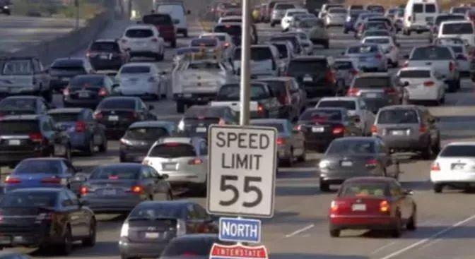 全国人均汽车保有量最多,居然是这个城市?比美国日本差远了