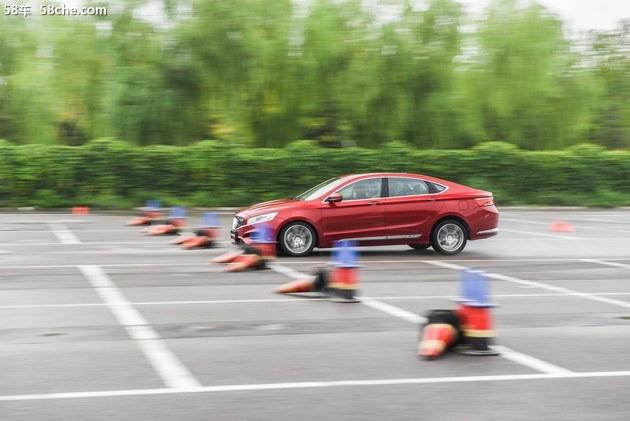 吉利博瑞GE试驾体验 传动效率高/加速体验好