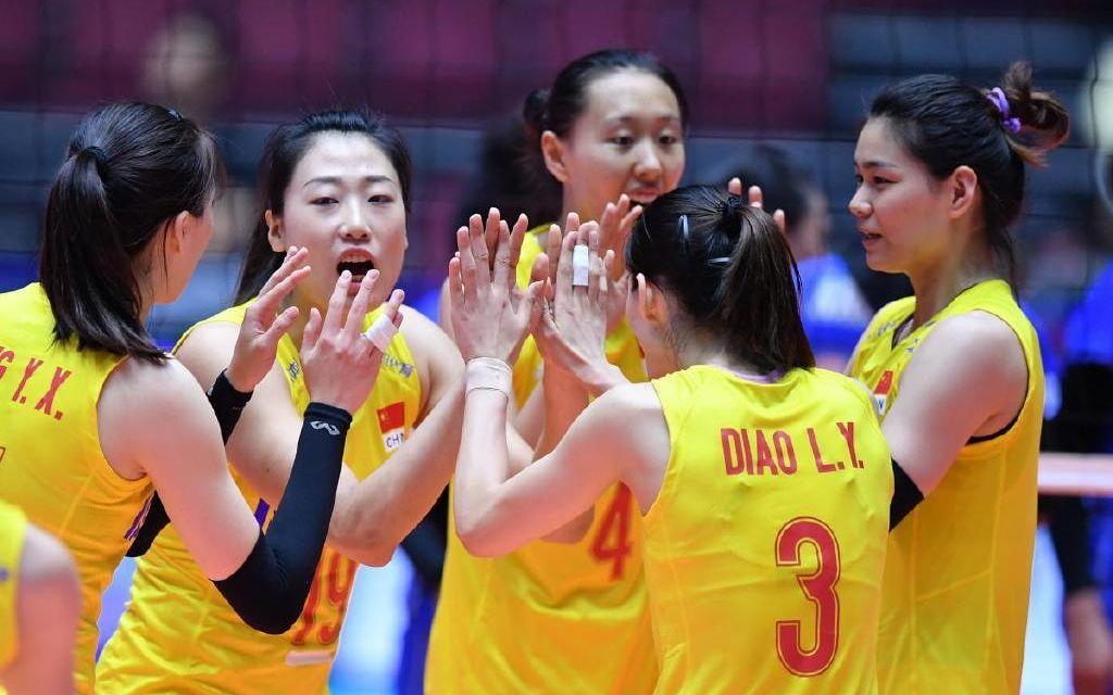 <strong>中国女排闯进亚锦赛8强,主教练</strong>