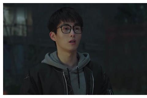 """《小欢喜》:""""我恨男孩""""丁一跳楼背后并不简单,宋倩这回真慌了"""