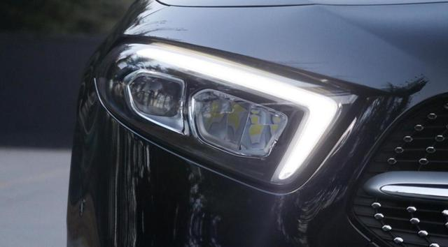 最有排面的A+级车之一,轴距近2米8,配64色氛围灯还是全时四驱