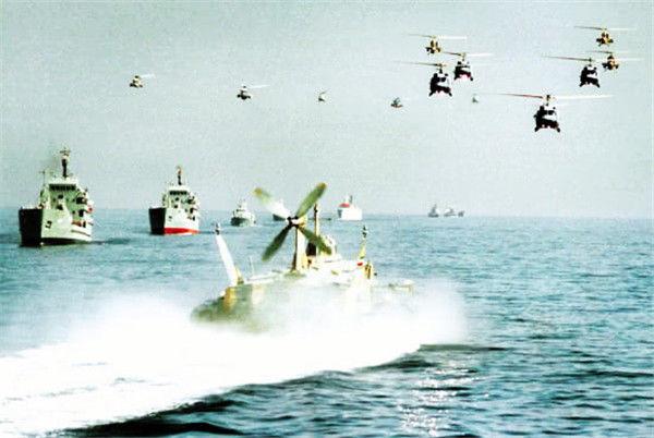 伊朗拿出秘密武器,美英船只纷纷中招,美国:从哪里来的?