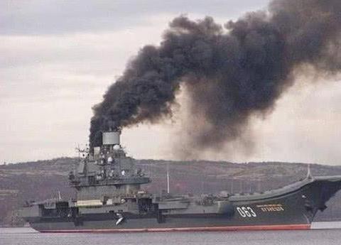 055驱逐舰所用发动机,航行时看不到黑烟,大大提高了隐身性
