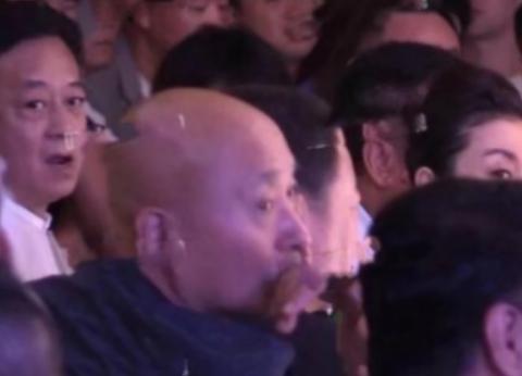 55岁朱军参加朱时茂儿子婚礼,如今退居二线不主持,令人惋惜