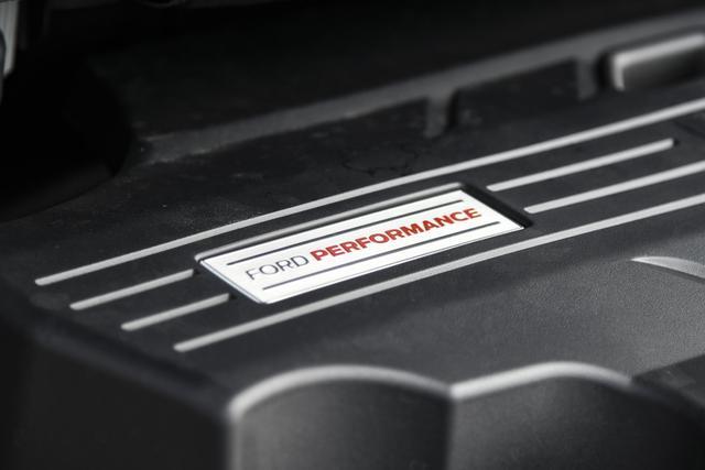 为什么说锐界是年轻人买中型SUV的首选?322马力算不算?