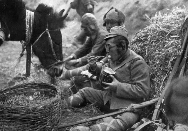 """二战时,日本军人吃的""""牛肉罐头"""",为何被日军称自己伙食为猪食"""