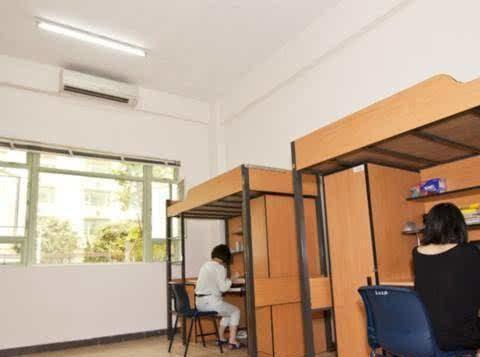 大学开学报到如何选床位?是上铺好,还是下铺更好