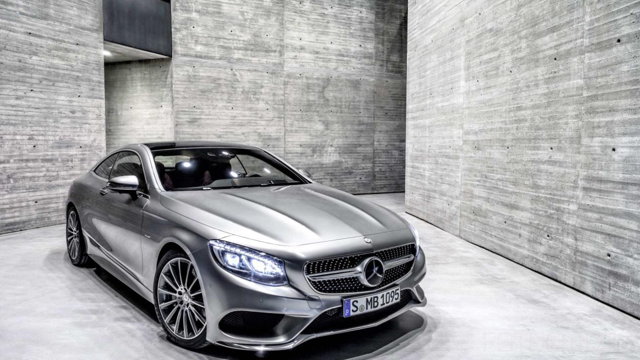 这款奔驰降价了,纯进口,无边款车门,裸车只售19万