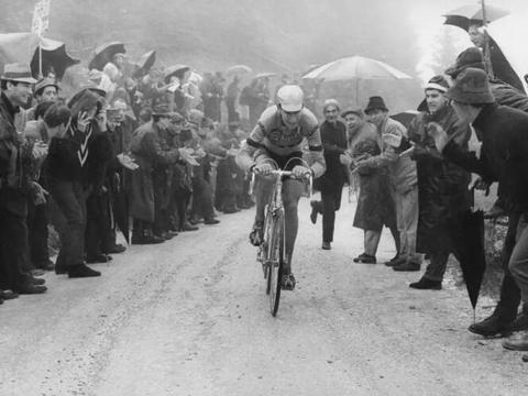 意大利传奇车手吉蒙迪去世 曾5次获得大环赛总冠军